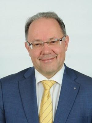 Governor Reto E. Fritz